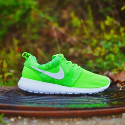 NIKE ROSHE RUN PRINT FLASH LIME/WHITE WOMENS RUNNING SHOES 100%AUTHENTIC