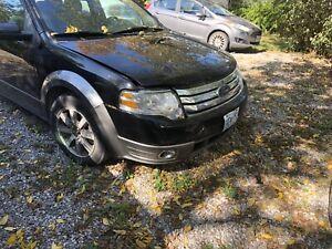 2007 Ford Taurus x