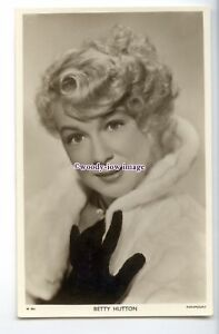 b5639-Film-Actress-Betty-Hutton-in-Furs-Picturegoer-No-W-804-postcard