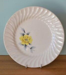 Vintage Johnson of Australia Dinner plate yellow flower LBt5