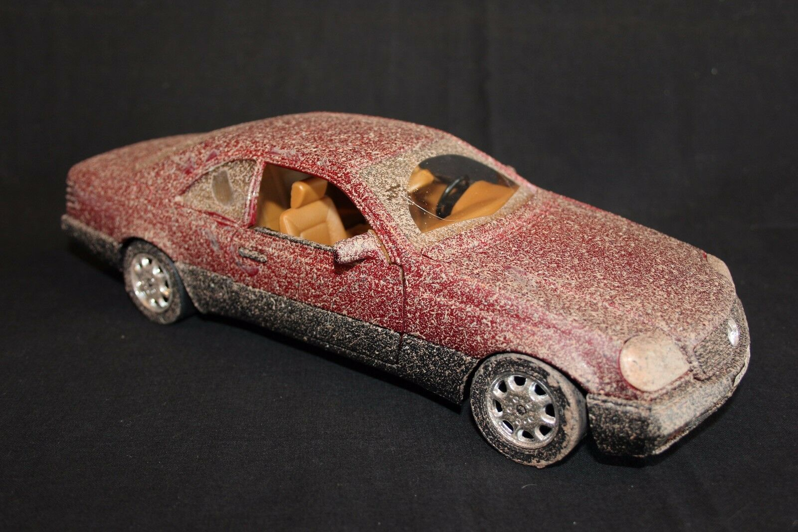 Majorette Mercedes-Benz S 600 1 18  Dirty  (JS)