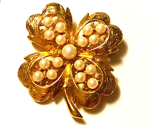 TRUE-VINTAGE-Pearl-Golden-Shamrock-Four-Leaf-Clover-Pin-Costume-Jewelry-JVJ09
