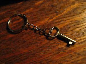 Pics vintage skeleton key ring women