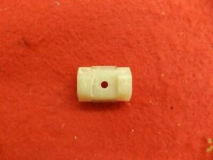1-NOS-66-FORD-Galaxie-500-500-XL-LTD-Moulding-Retainers-Clips-C6AB-16242-A