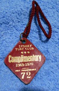 D476-SYDNEY-TURF-CLUB-COMPLIMENTARY-BADGE-1969-1970-72