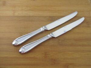 """2 Two Oneida Satin Garnet Dinner Knives 9 5/8"""" Stainless Flatware Silverware"""