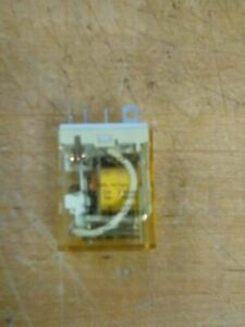 IDEC Rh2b-u General Use Dc24v Relay 26y39a With Base on