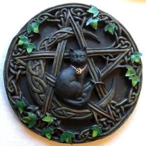 Black-Cat-on-Moon-with-Ivy-and-Pentragram-Wall-Hanging-Plaque