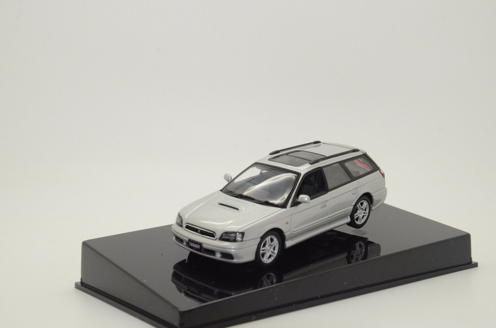 Subaru Legacy GT-B 'Plata 99 Auto Art 58623 1 43