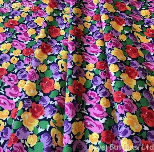 ROSE /& HUBBLE COLOURFUL FLORAL PRINT ON NAVY FABRIC 100/% COTTON FAT QUARTERS