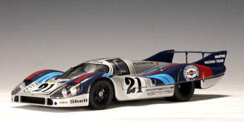 1 18 Autoart Porsche 917L L. con  Martini  1971V. Elford   G. Larousse