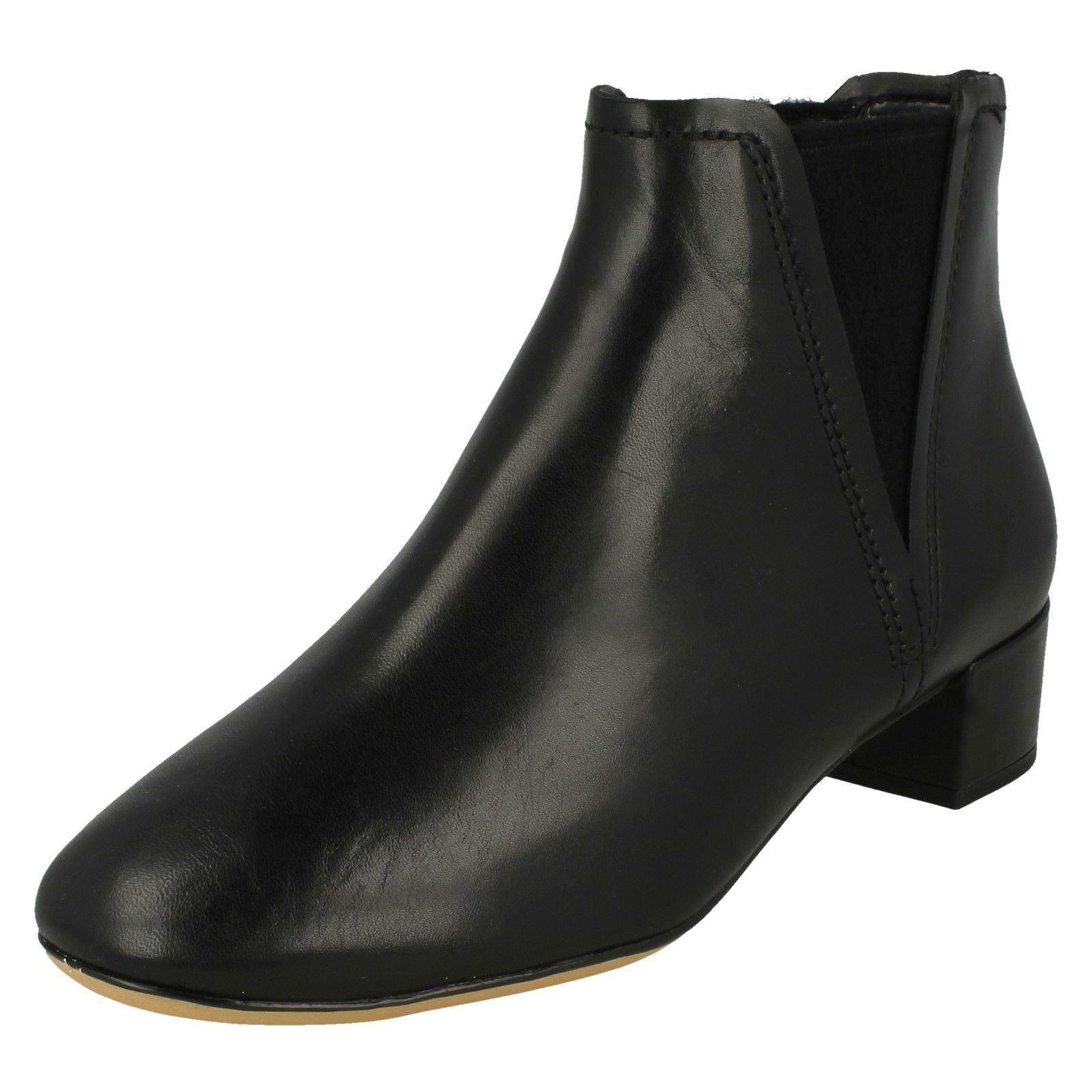 Damen Clarks Wildleder Niedriger Absatz Orabella Smart Stiefeletten Schuhe Größe Orabella Absatz 2a9955