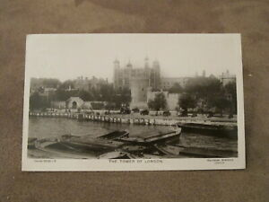 1907-real-photographic-postcard-Thames-barges-amp-Tower-of-London
