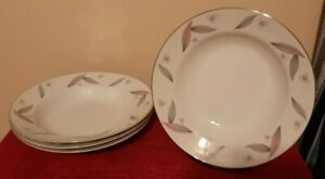 Narumi Serenade Pattern Made in Japan dinnerware set 24 pieces fine china