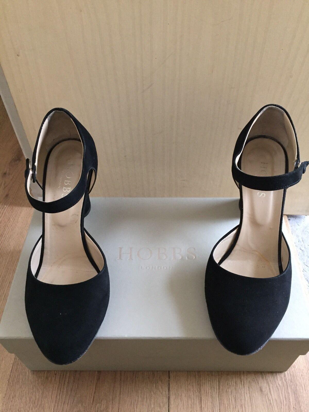 ampia selezione Ladies Hobbs neri neri neri in pelle scamosciata Dolly Scarpe TAGLIA 5  prezzi equi