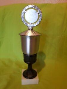 Sport Pokal 35 cm hoch zweierlei Metalle Sockel Stein Marmor silberfarben