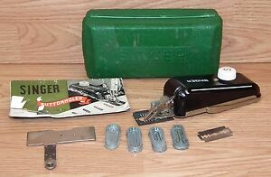 **For Parts** Vintage Singer Buttonholer With Case, Manual & Attachments *READ*