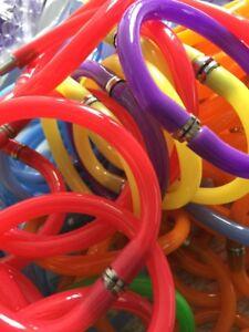 lot-revendeur-destockage-16-Stylos-Bracelets-Super-Originaux