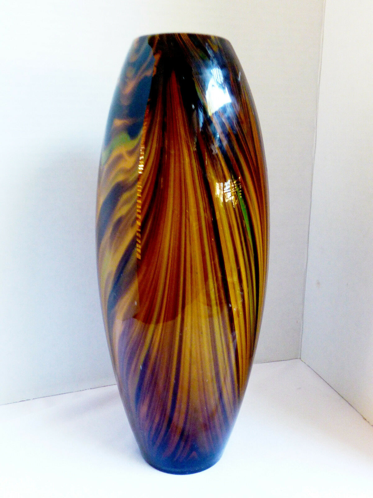 Large hand blown art glass marron tiger eye pulled Swirl Vase 12.75