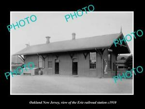 OLD-LARGE-HISTORIC-PHOTO-OF-OAKLAND-NEW-JERSEY-ERIE-RAILROAD-STATION-c1910-2