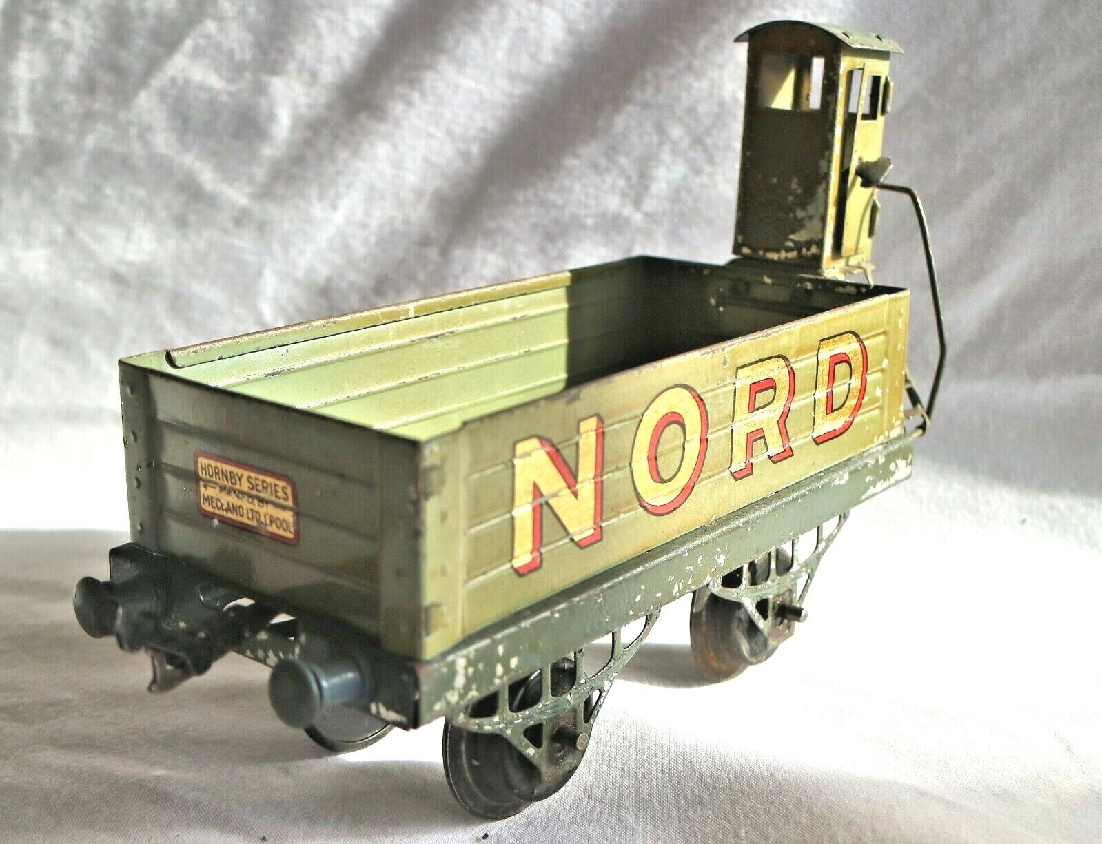 907C  Vintage French Hornby NORD Open Wagon with Brakeman's Hut (Vigie)