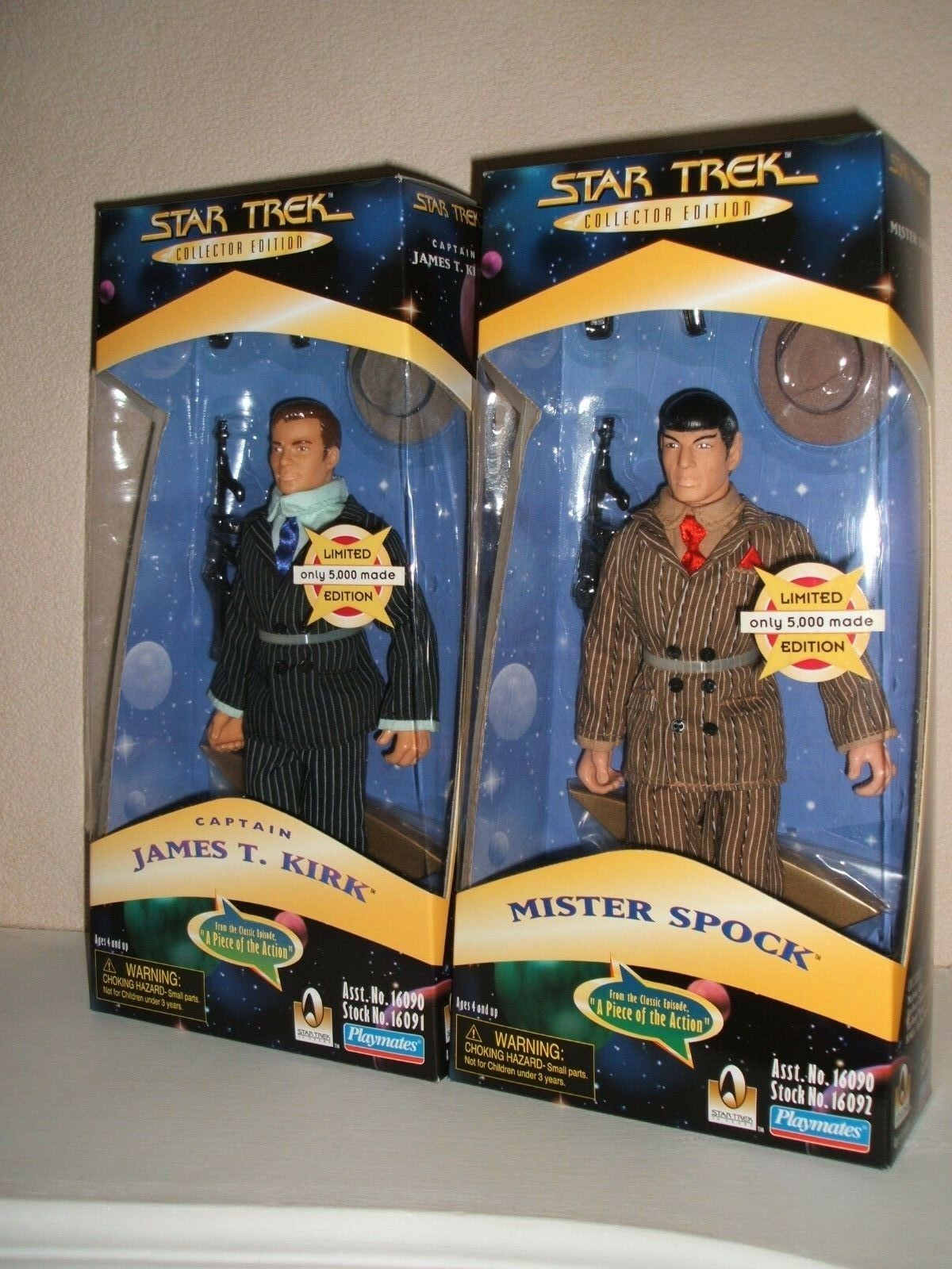 PLAYMATES STAR TREK KIRK AND SPOCK  A PIECE OF THE ACTION FACTORY SEALED HIGH GR