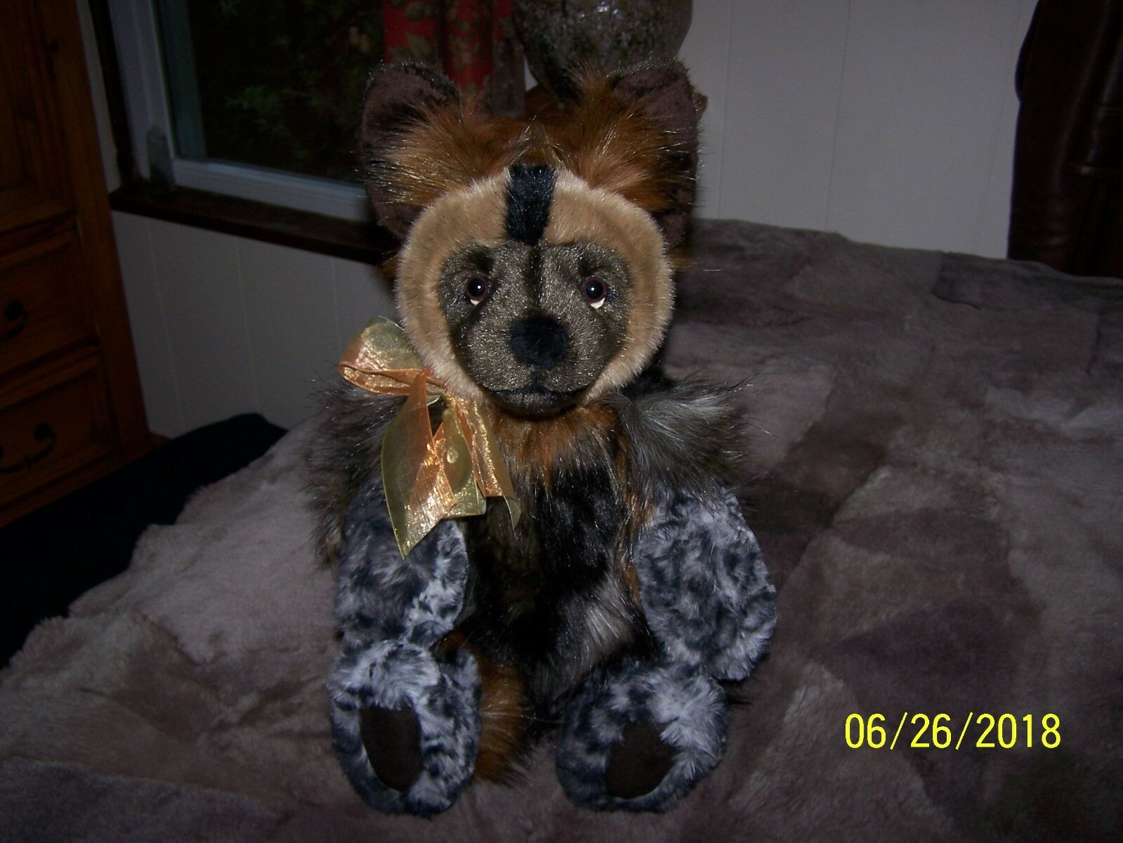 NWT Charlie Bears Bearhouse LOWRY the African Wild Dog.  Very Adorable.