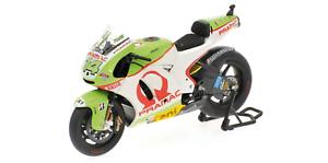 1 12 Ducati Desmosedici de Puniet Qatar 2011 1 12 • Minichamps 123110014