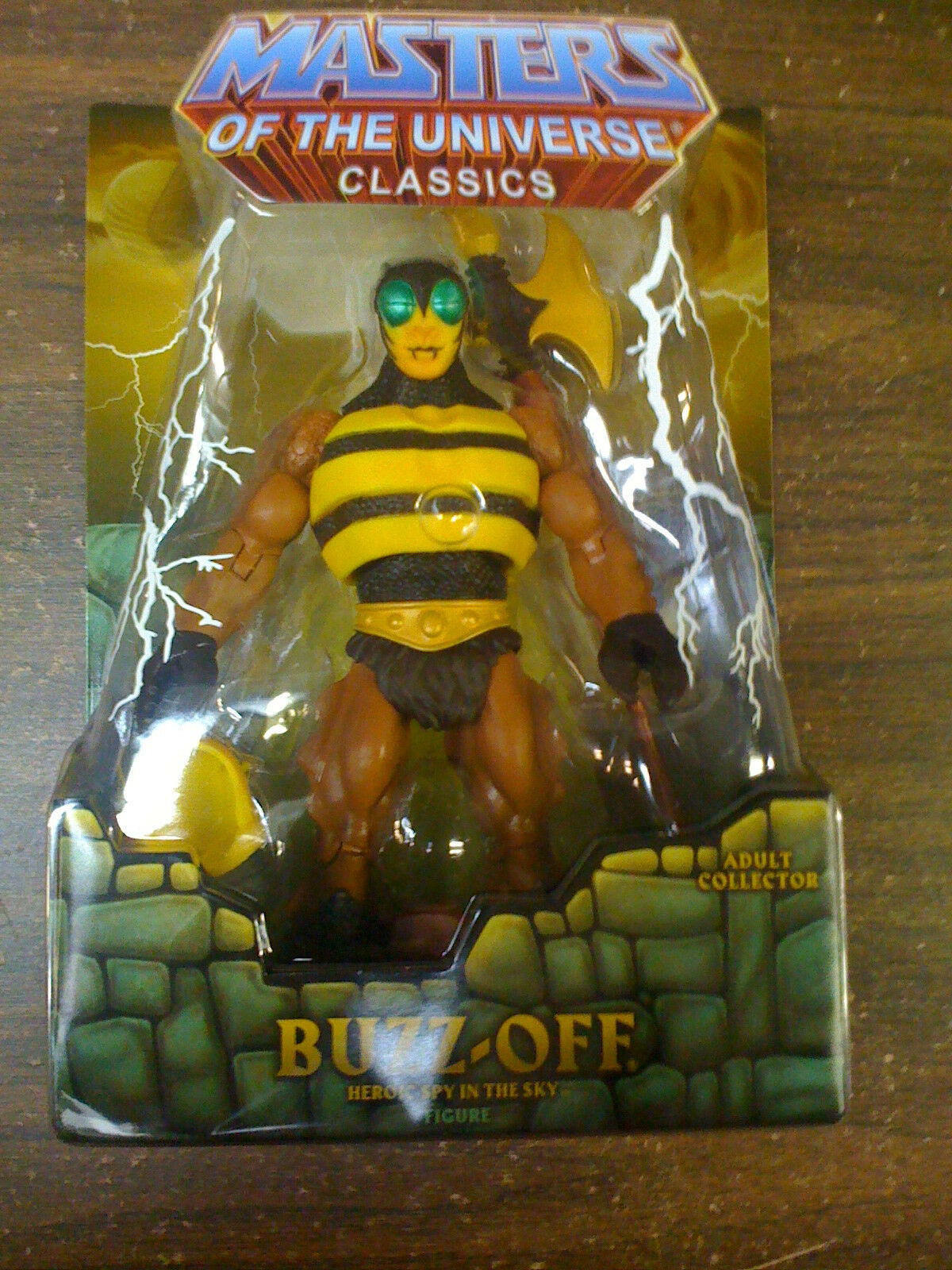 MOTU Classics Buzz Off SHIPS Worldwide   NEW