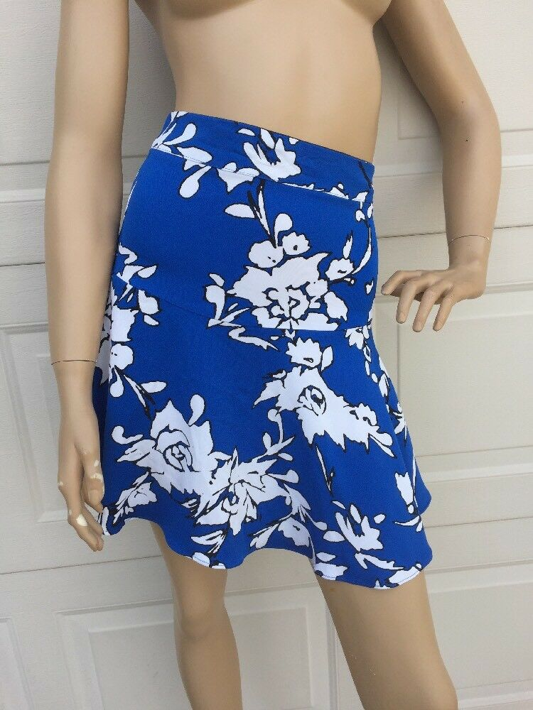 NWT  Medium Karina Grimaldi Reeta Skirt bluee White Floral Print Multi