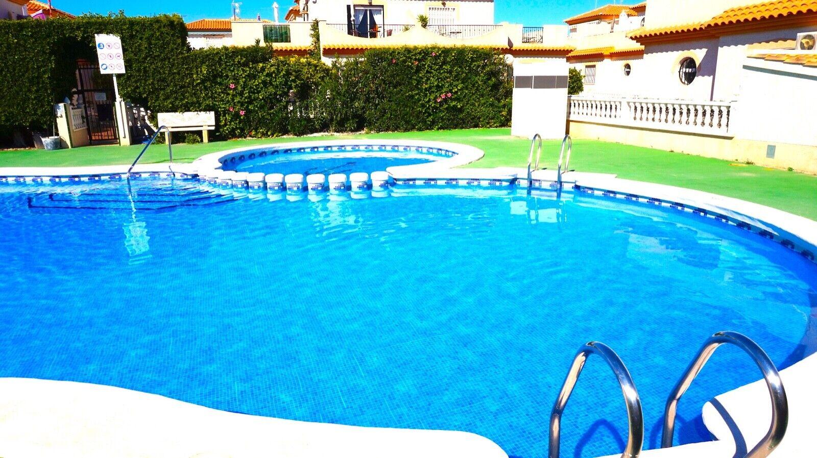 Costa Blanca South: 3 Bed Villa + Wi-Fi + Communal Pool +...