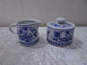 Kahla-Porzellan-Zuckerdose-Milchkaennchen-DDR-Design-Zwiebelmuster-Vintage