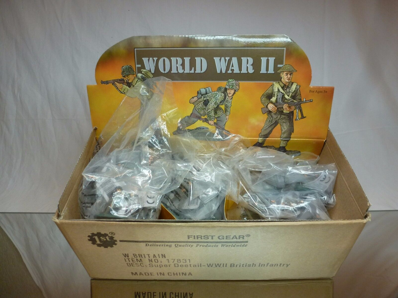 BRITAINS 17831 FIRST GEAR WWII BRITISH INFANTERY 48pcs - ARMY - EXCELLENT IN BOX