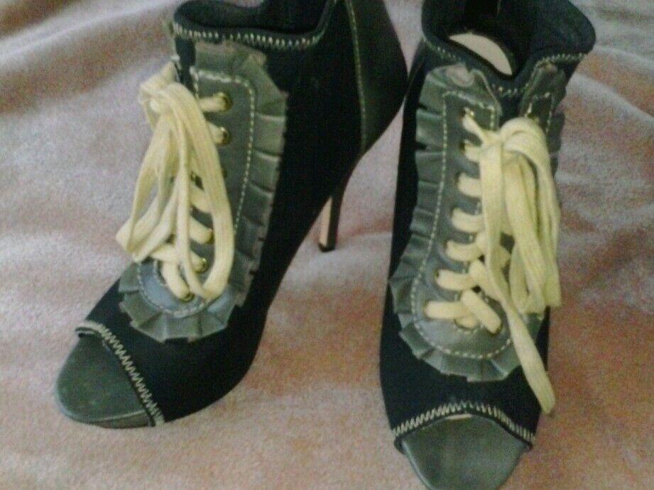SALE Gorgeous Betsey Johnson RARE Zzoey lace up ankle pumps 7 Sz 7 pumps d2b698