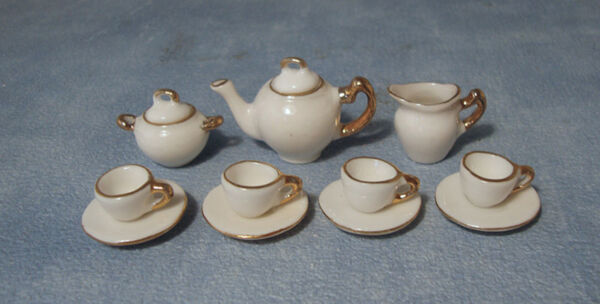 1:12 Scala 11 Pezzi Set Da Tè In Ceramica Bianca Con Bordatura D'oro Dolls House 2187 Per Spedizioni Veloci