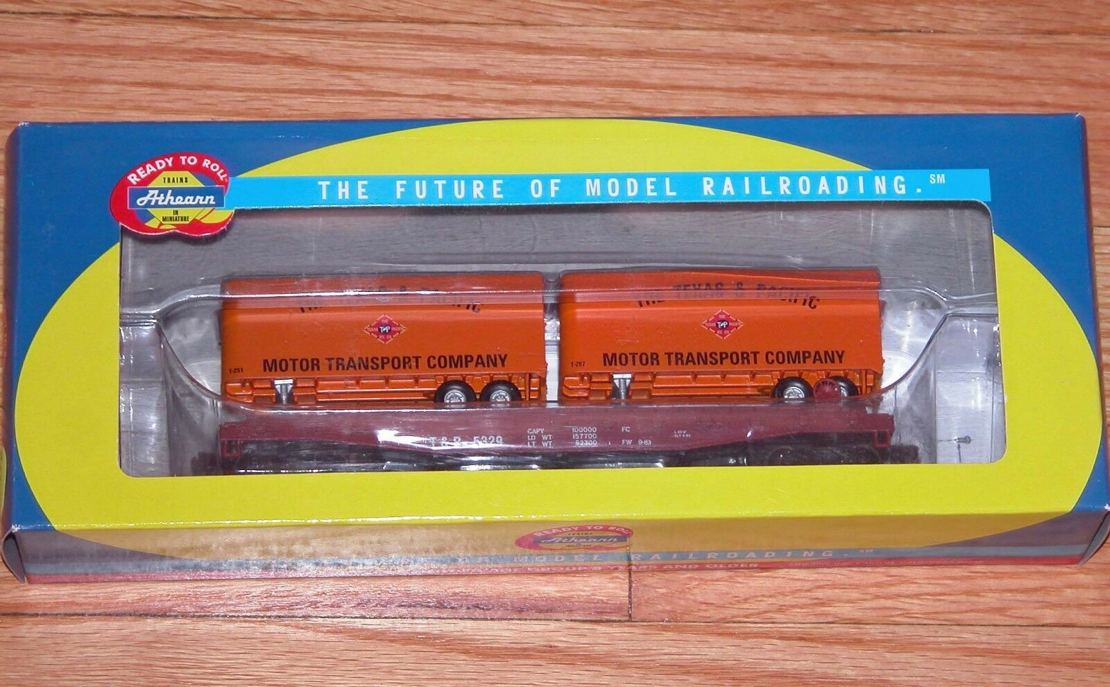 ATHEARN 92384 50' FLAT CAR WITH TWO TWO TWO 25' TRAILERS TEXAS & PACIFIC T&P 5329 45e125