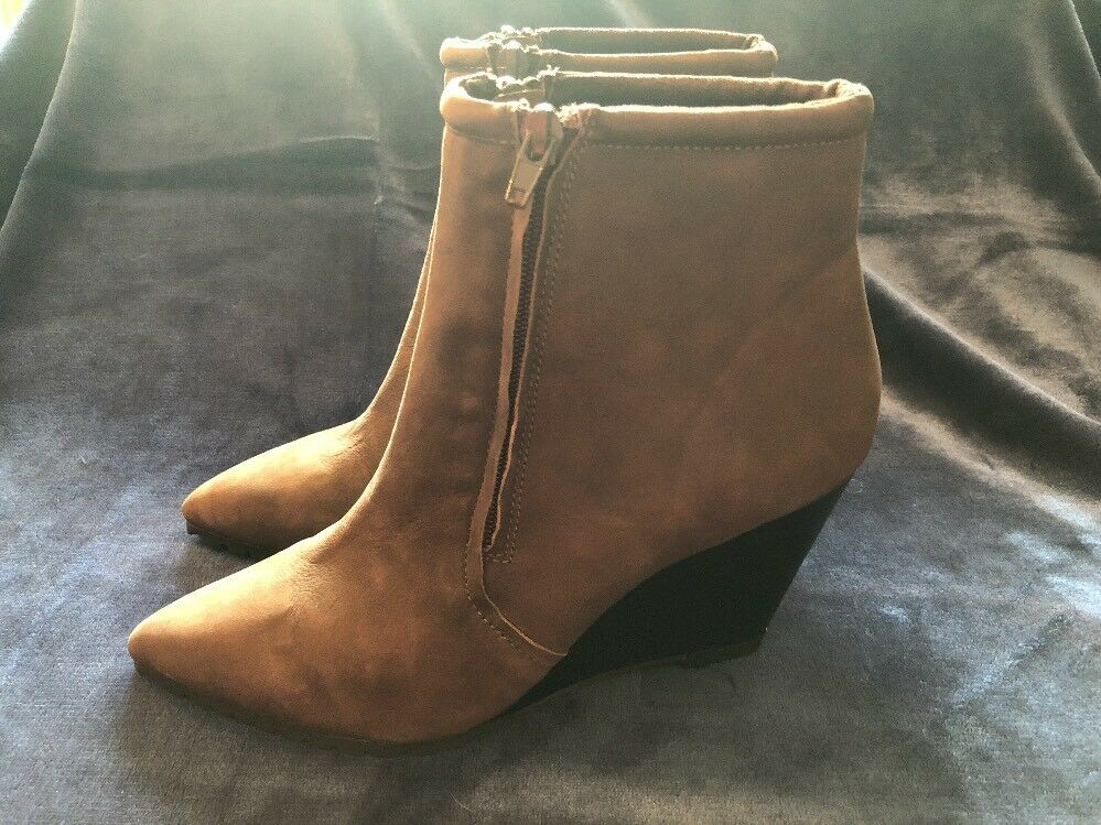 NEW WOMEN'S DOUBLE H BY HALSTON