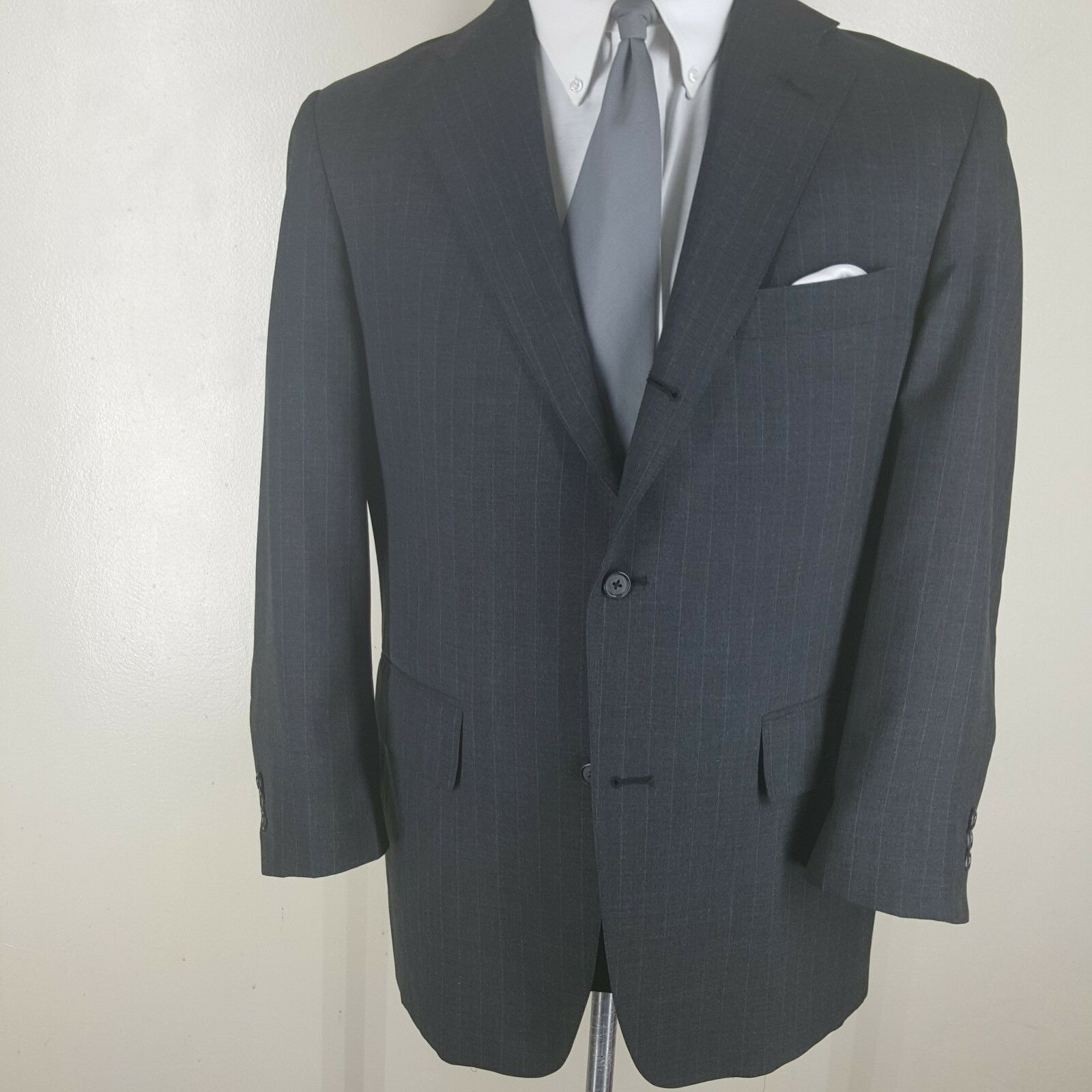 J.PRESS  U.S.A.grau Pinstripe Sport Coat  3 RD Btn Roll Center Vent  Fit 43 Reg