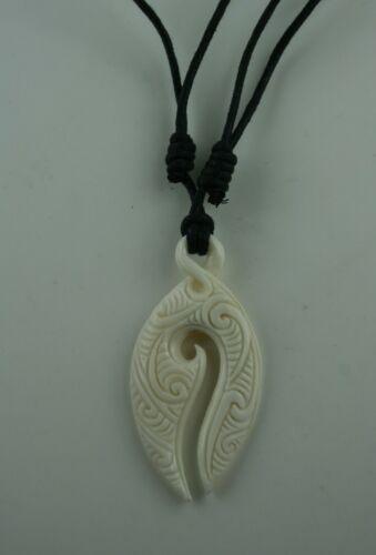Maori Bone Carving  Twist  Neuseeland