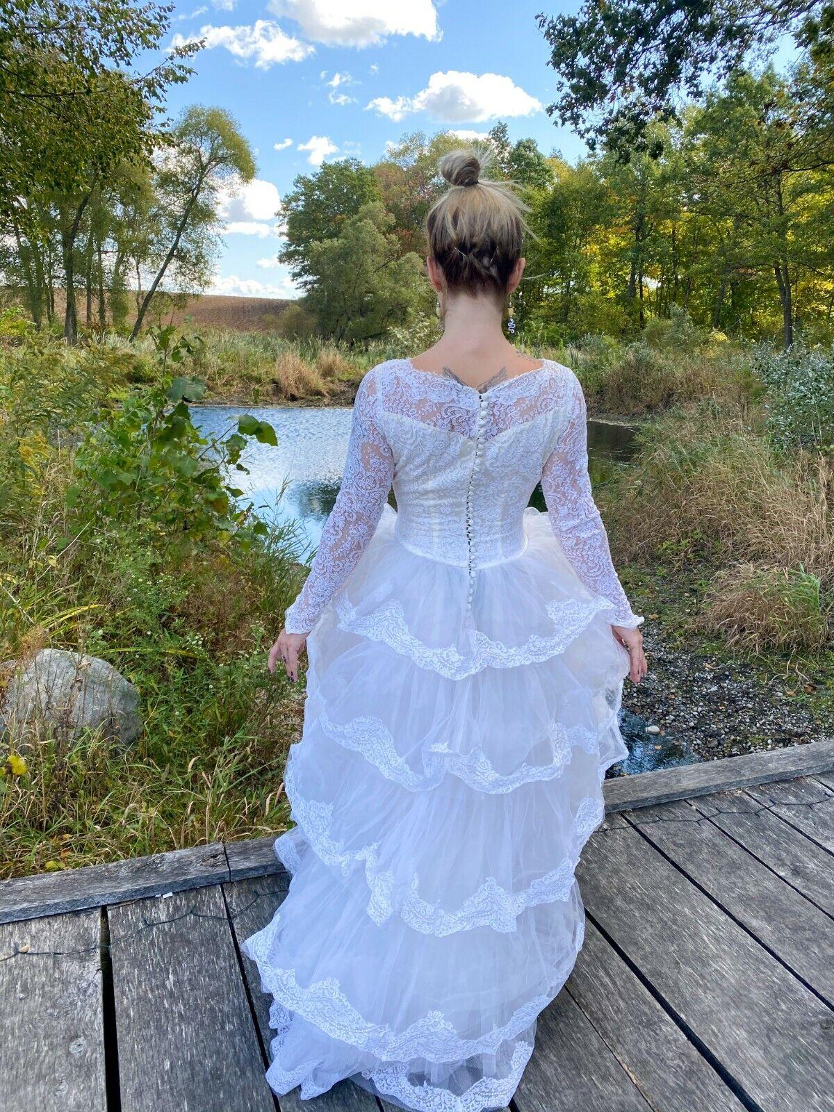 1950's Vintage Wedding Dress Lace w/Juliet Cap & … - image 4