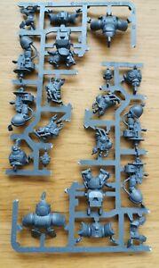Warhammer-40K-Dark-Imperium-Primaris-Space-Marine-3-Man-Inceptor-Squad
