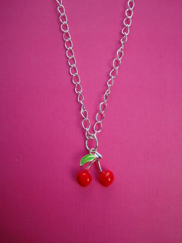 Plata Rojo Cereza Collar Kitsch lindo estilo vintage y retro estilo Frutas encanto divertido Regalo