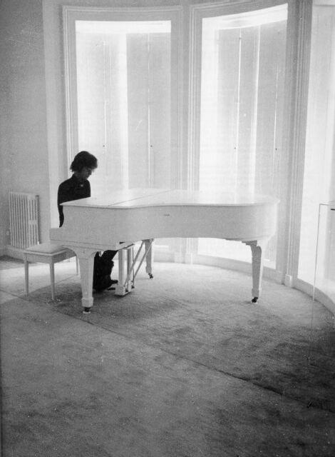 JOHN LENNON THE BEATLES AT WHITE GRAND PIANO IMAGINE PHOTO POSTER PRINT REPRINT
