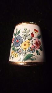 HALCYON DAYS BILSTON AND BATTERSEA ENAMELED AND GOLD VERMEIL THIMBLE - SIZE 8