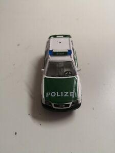 Siku-n-1079-audi-a6-avant-2-8-policia-verde-blanco-vitrinas-modelo-de-coleccion