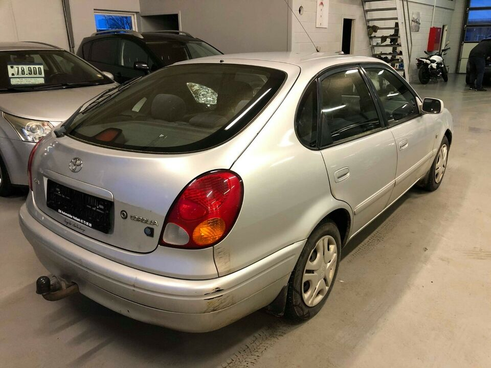 Toyota Corolla 1,4 Terra Benzin modelår 2000 km 292000 træk