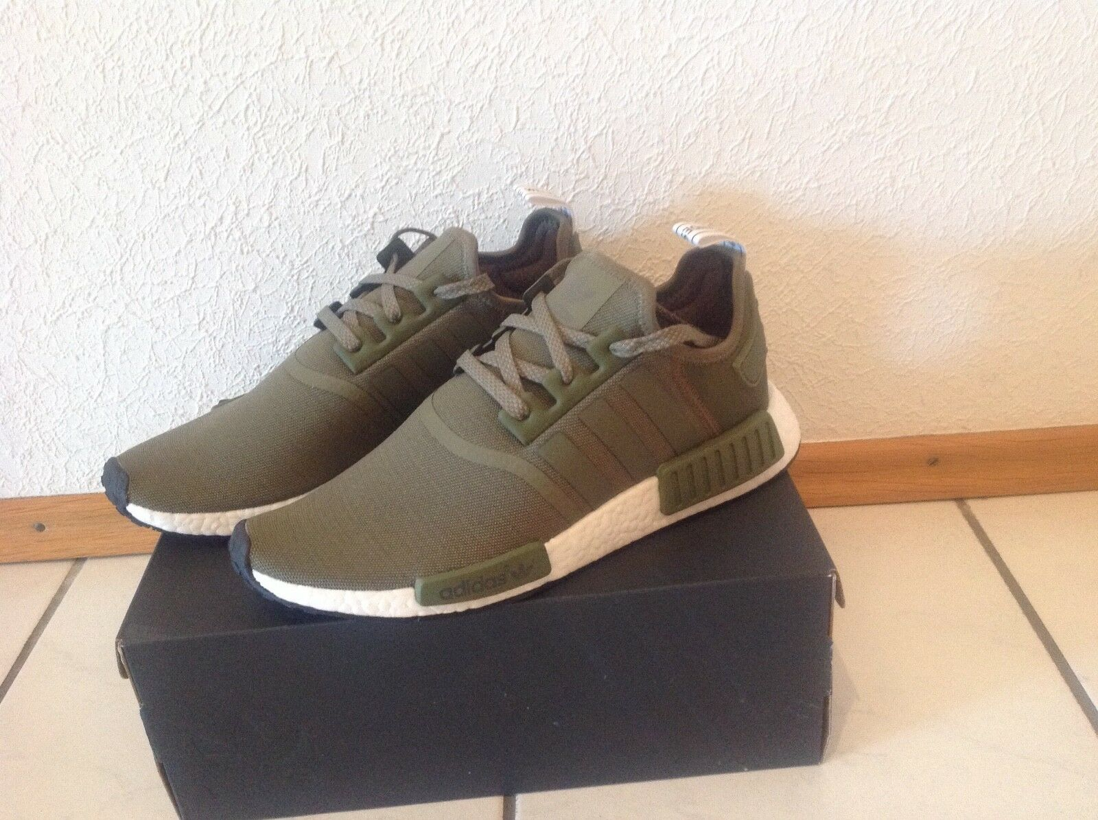 Sneaker NMD R1 von Adidas Gr. US 10 1/2, F 44 2/3,  Brand discount