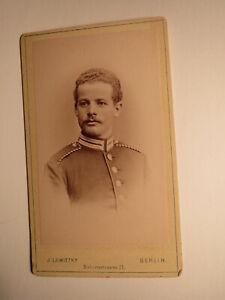 Berlin - 1887-G. H. Hillebrecht en tant que SOLDAT en UNIFORME-un an? CDV-afficher le titre d`origine