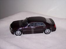 MAISTO -  1/18 - CHRYSLER 300C HEMI - ADULT DISPLAYED - BURGUNDY -  LOOSE - L@@K