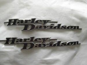 Harley-Davidson-Tankschilder-Tankembleme-Tank-Embleme-Set-62435-11-62437-11